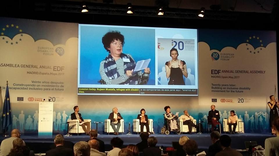 EDF kerekasztal megbeszélés jelnyelvi tolmácsolással és valós idejű feliratozással